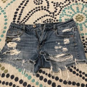 Distressed jean shorts size 0